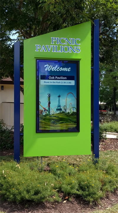 Kings Dominion Digital Signage by Mvix